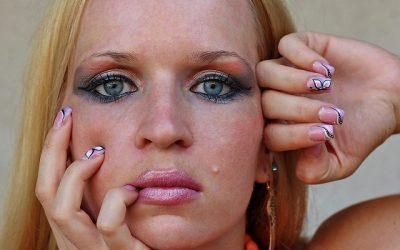 Comment éliminer les boutons de visage?